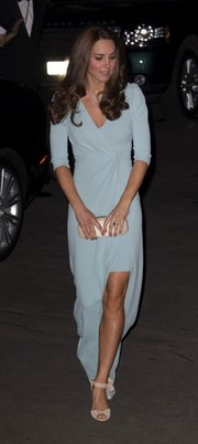 Kate Middleton was classy, as always, in a pastel-blue wrap gown by Jenny Packham during the Natural History Museum Awards.