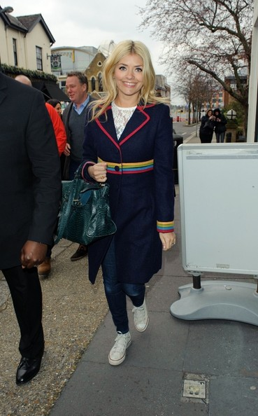 More Pics of Holly Willoughby Wool Coat (4 of 5) - Wool Coat Lookbook - StyleBistro
