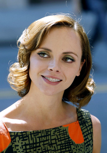 Christina Ricci Short Curls []