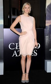 Georgia King looked effortless in this airy blush dress at the 'Cloud Atlas' premiere.
