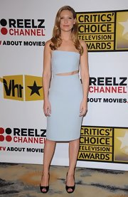 This powder blue cocktail dress was all kinds of sexy on Anna Torv. The slight cutout at the waist was impeccable and a touch risque!