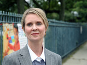 Cynthia Nixon opted for a casual short 'do when she visited PS 304.