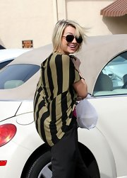 Chelsea Kane was spotted rehearsing for DWTS wearing a cool pair of aviator sunglasses.