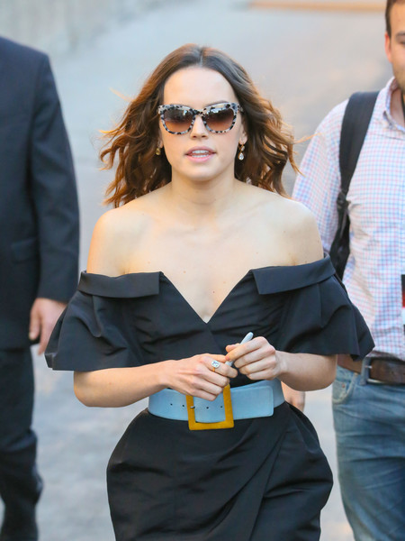 Daisy Ridley wore a cool pair of print sunglasses while headed to 'Kimmel.'