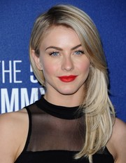 Julianne Hough's kissers took center stage thanks to this bright red lip color.