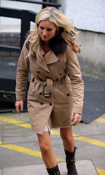 More Pics of Denise van Outen Long Wavy Cut (1 of 16) - Long Wavy Cut Lookbook - StyleBistro