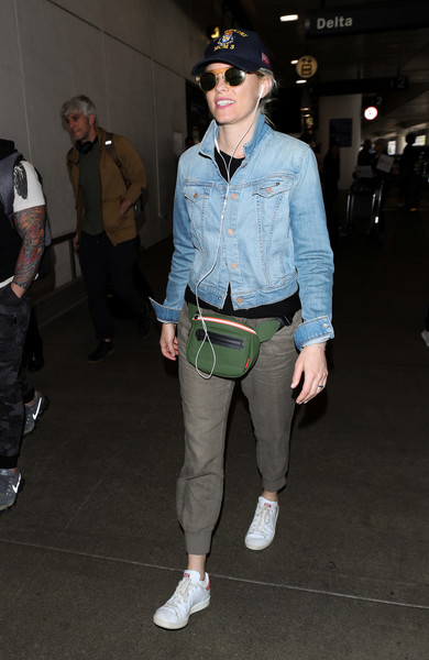 More Pics of Elizabeth Banks Leather Sneakers (1 of 7) - Athletic Shoes Lookbook - StyleBistro