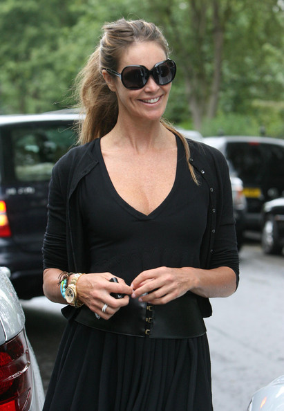 More Pics of Elle MacPherson Oversized Sunglasses (1 of 7) - Oversized Sunglasses Lookbook - StyleBistro