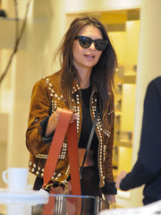 Emily Ratajkowski looked chic in her Celine cateye sunnies while out shopping.