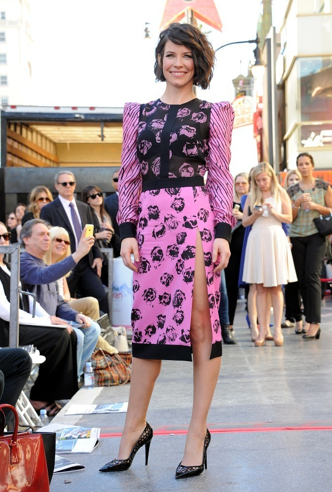 Evangeline Lilly Pumps Evangeline Lilly Looks Stylebistro