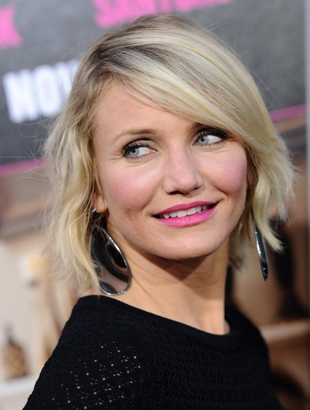 Cameron Diaz arrived at the 'What to Expect When You're Expecting' premiere wearing a pair of Botswana agate and diamond earrings set in 18-carat white gold.