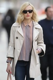 Fearne Cotton layered up in this classic trench.