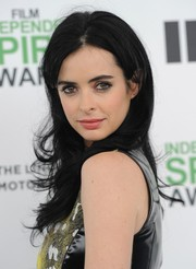 Krysten Ritter wore her hair down in feathered waves during the Film Independent Spirit Awards.