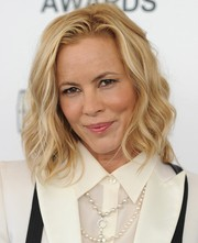 Maria Bello sported edgy-chic piecey waves at the Film Independent Spirit Awards.