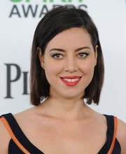 Aubrey Plaza opted for a simple bob when she attended the Film Independent Spirit Awards.