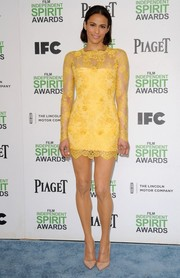 Paula Patton flaunted her mile-long legs in a super-short yellow lace dress by Lorena Sarbu during the Film Independent Spirit Awards.