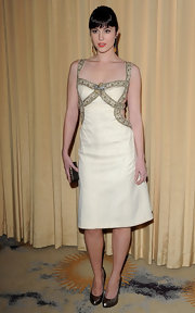Mary Elizabeth Winstead looked striking in a white cutout cocktail dress for the InStyle Golden Globe event.