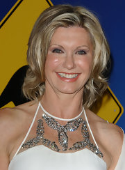 Olivia Newton-John looked fresh with her mid-length wavy cut at G'Day LA 2006.