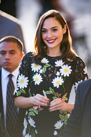 Gal Gadot appeared on 'Jimmy Kimmel Live' rocking black nail polish.