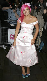 Showing her love of all things pink, Lily Allen made the daring choice to dye her locks hot pink. Not many can pull this color off, but it fits perfectly with Lily's fun loving personality.