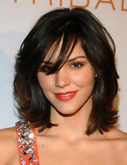 Katherine McPhee radiated on the red carpet with a polished layered shoulder-length cut.