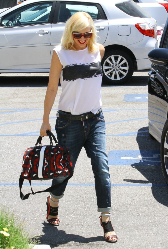 Gwen Stefani Runs Errands — Part 2