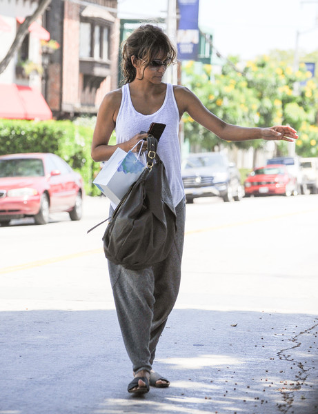 More Pics of Halle Berry Leather Hobo Bag (1 of 7) - Halle Berry Lookbook - StyleBistro