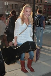 Hayden Panettiere was spotted looking ultra-casual and wearing a pair of flat brown leather boots.