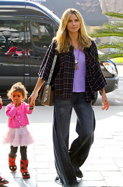 Heidi Klum spent time with her family in a plaid swing coat with cropped sleeves.