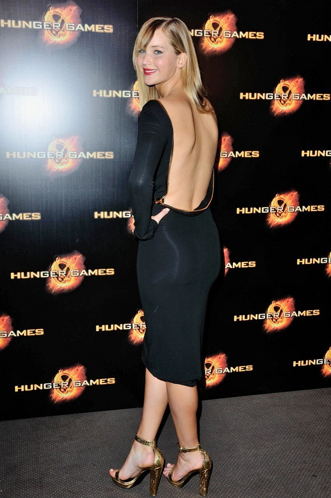 Jennifer+Lawrence in 'Hunger Games' Paris Premiere