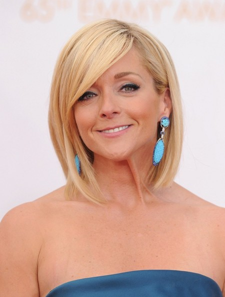 Jane Krakowski Dangling Turquiose Earrings [hair,blond,human hair color,hairstyle,chin,layered hair,long hair,bangs,hair coloring,brown hair,red carpet arrivals,jane krakowski,hair,hairstyle,hair,hairstyle,bob cut,nokia theater,los angeles,primetime emmy awards,jane krakowski,bob cut,hairstyle,hair,65th primetime emmy awards,lob,short hair,modern family,human hair color]