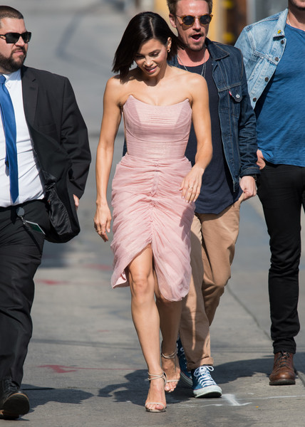 More Pics of Jenna Dewan-Tatum Strappy Sandals (11 of 14) - Jenna Dewan-Tatum Lookbook - StyleBistro