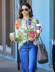 Jenna Dewan-Tatum put on a pair of classic aviators for a coffee run.