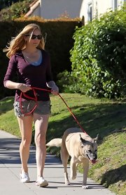 Jennifer Westfeldt looked ready for a relaxing day in her purple scoopneck sweater and cargo shorts.