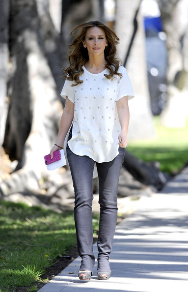 Jennifer Love Hewitt Clothes May 2017