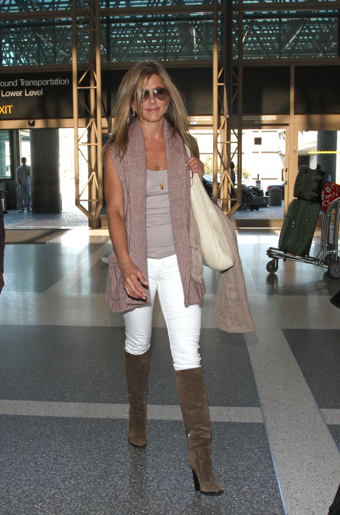 More Pics Of Jennifer Aniston Knee High Boots 2 Of 11