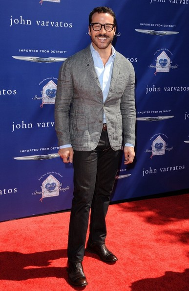 Jeremy Piven Clothes