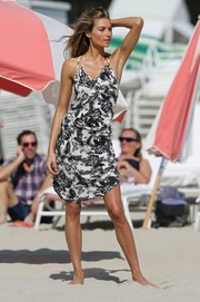 Jessica Hart was summer-chic in a black-and-white floral sundress while doing a photoshoot for Victoria's Secret.