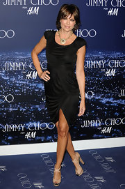 A Jimmy Choo event at H&M brought out some serious glamour and Lisa Rinna was definitely part of the stylish scene. Her gold statement necklace provide plenty of golden glitz.