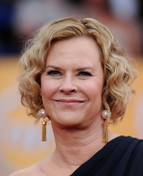 JoBeth Williams Curled Out Bob []