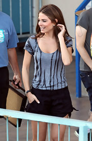 Actress Maria Menounos wore a Sheer Wax Tee in heather grey while interviewing Justin Bieber for Access Hollywood.