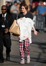 Karen Gillan kept the laid-back vibe going with a pair of old lilac Reeboks.
