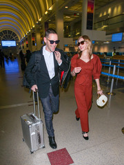Kate Bosworth accessorized with a chic quilted purse by Chloe while catching a flight.