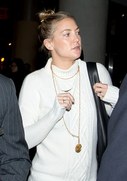 Kate Hudson Oversized Pendant Necklace
