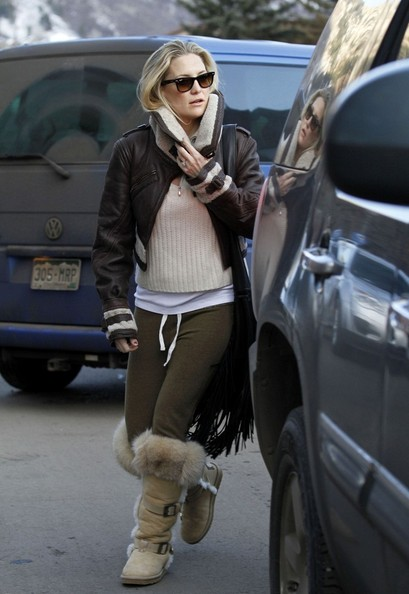 More Pics of Kate Hudson Wayfarer Sunglasses (1 of 11) - Kate Hudson Lookbook - StyleBistro