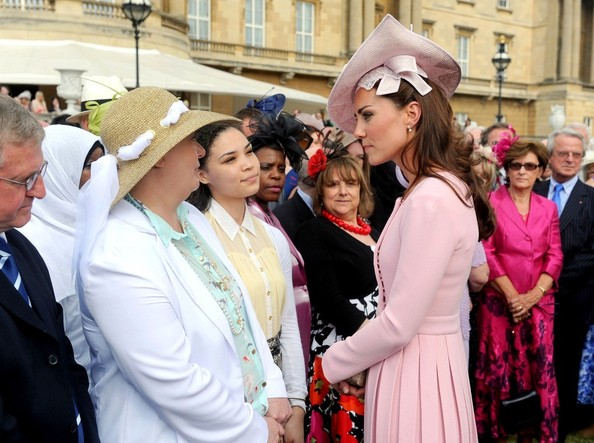 More Pics of Kate Middleton Decorative Hat (1 of 10) - Kate Middleton Lookbook - StyleBistro