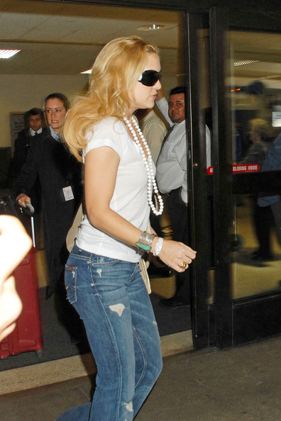 More Pics of Kate Hudson Flare Jeans (1 of 3) - Jeans Lookbook - StyleBistro []