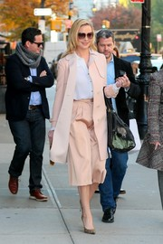 Katherine Heigl wore a matching blush pink coat while on a walk.