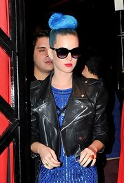 Katy Perry channeled the '80s in this black cropped leather jacket.