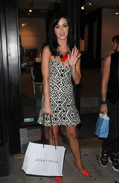 Katy Perry Pumps []